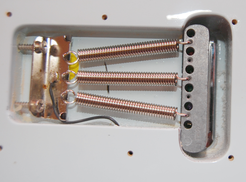my strat    setup help / knocking noise | The Gear Page